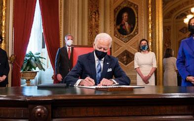新官上任三把火!拜登上任第一天签署17项行政令,移民迎来利好!